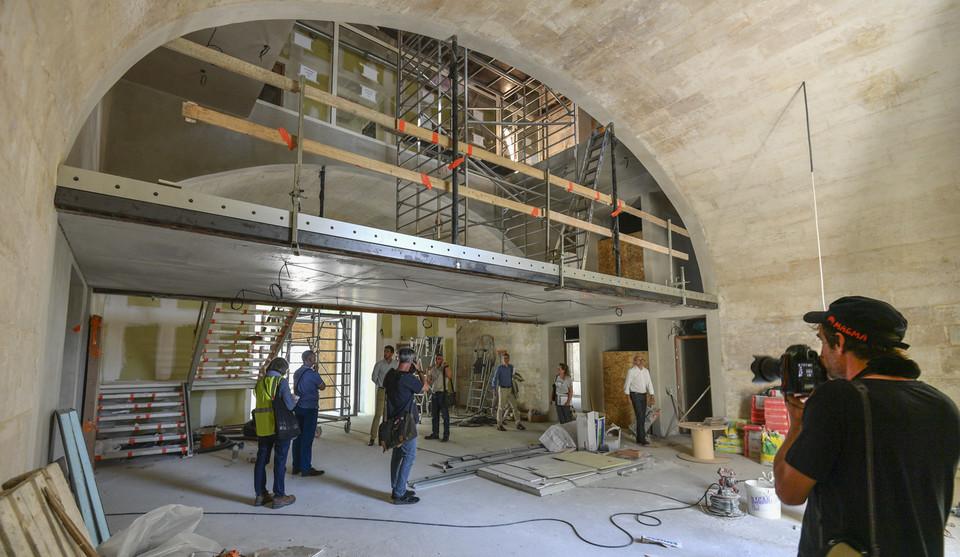 Visite de chantier du conservatoire Auguste Tolbèque à la Caserne Du Gesclin à Niort