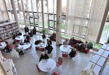 Médiathèque-centrale Pierre-Moinot à Niort, vue intérieure