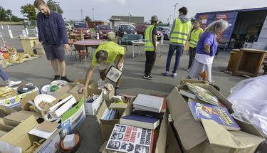 Journée vente ddes articles récupérés par le CJS à la décheterie du Valon d'Arty