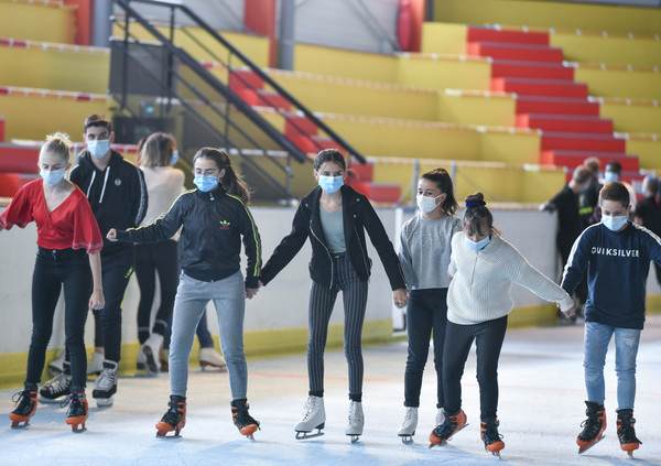 Reprise des activites ouvertes au public a la patinoire de Niort