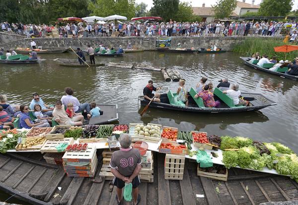 marché sur l'eau du Vanneau