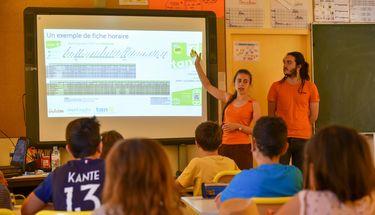 Les Ambassadeurs du transport dans l'école de Saint-Maxire