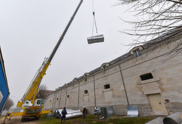 Conservatoire, mise en place de la centrale de traitement d'air ©Bruno Derbord