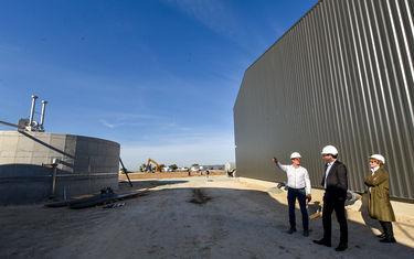 Le président de Niort Agglo, Jérôme Baloge, s'est rendu en visite fin octobre sur le site de l'unité de méthanisation de Déméter Energies Photo Bruno Derbord