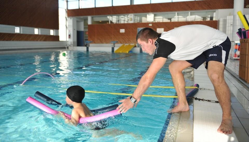 Cours de natation au centre aquatique des Fraignes a Chauray
