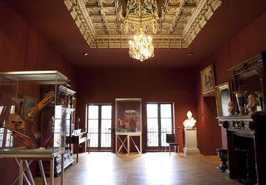 Musée Bernard d'Agesci, salon Auguste-Tolbecque