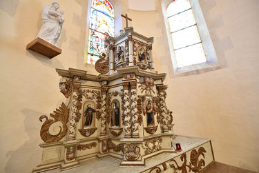 L'autel supporte deux tabernacles superposés des XVIIe et XVIIIe siècles ©Bruno Derbord