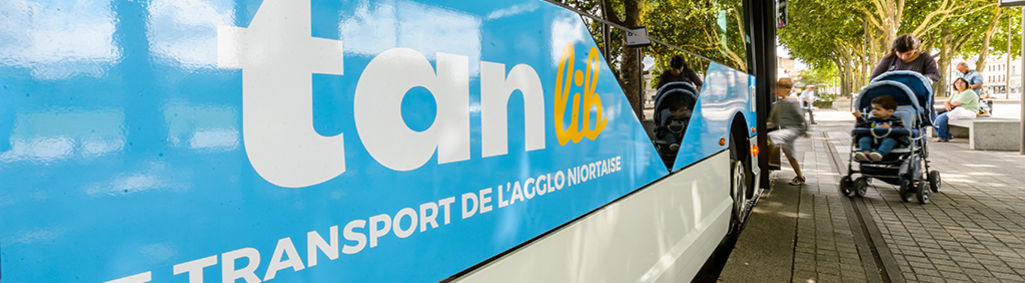 Bus Tanlib©Alex_Giraud