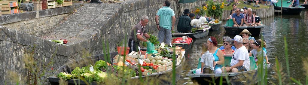 Marché sur l'eau du Vanneau-Irleau