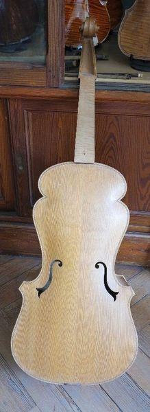 Basse de viole à 6 cordes, par C-.E. Rabourdin