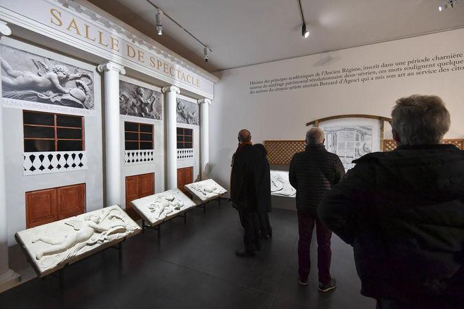 Inauguration de l'exposition Bernard d'Agesci - Reconstitution de la façade du théâtre ©Darri