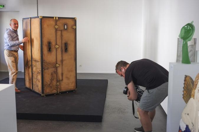 Le Malletier Franck Tressens expose au Musée Bernanrd D'Agesci, tournage Lemergy le Midi sur C8