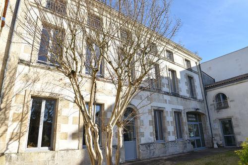 La médiathèque Ernest Perochon à Echiré se situe au 1er étage de la maison des associations ©Bruno Derbord