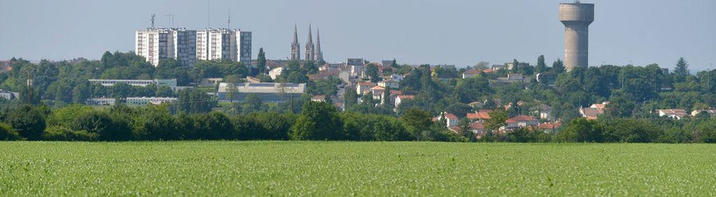 Paysage de plaine entre Niort, Echiré et Saint-Maxire