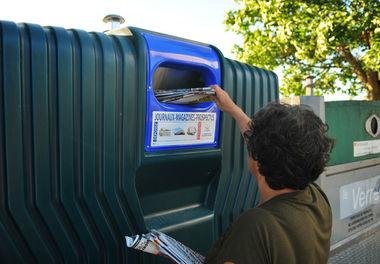 Cubopapier pour jeter les journaux, magazines et prospectus©BDerbord